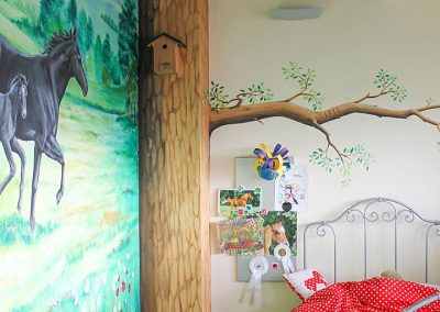 Muurschildering-meisjeskamer-paarden-022
